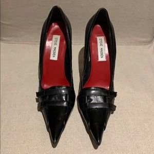 Steve Madden Extreme Pointy Toe Pump